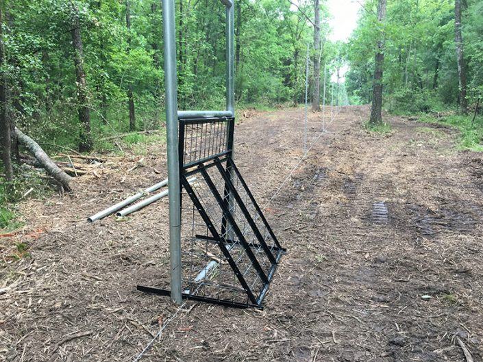Specialized high fence
