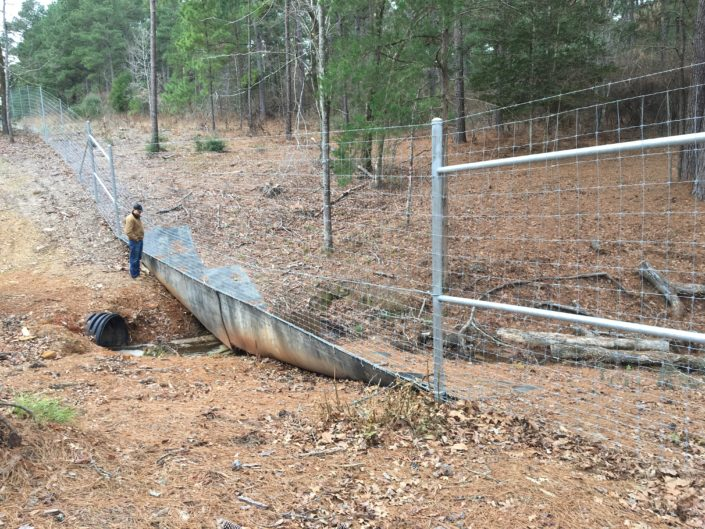 Floatmaster Water Gap Fence Solution Tejas Ranch Amp Game